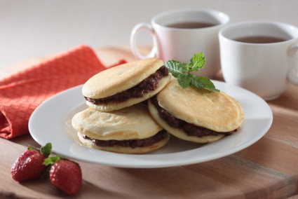 PANCAKE WITH CHOCOLATE AND CHEESE
