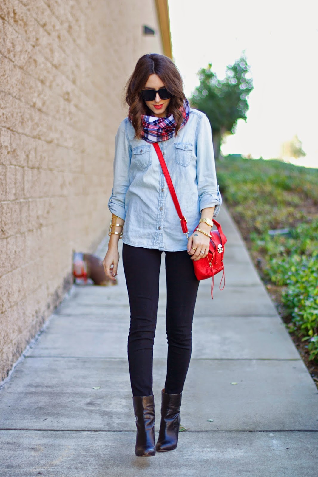 chambray-shirt-outfit-idea