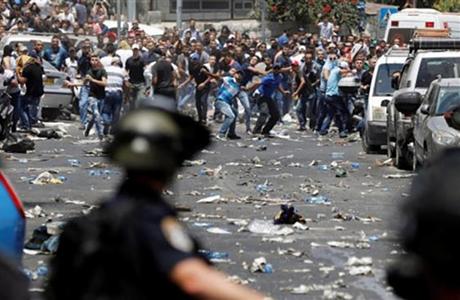Puluhan Orang Cedera dalam Bentrokan dengan Tentara Israel