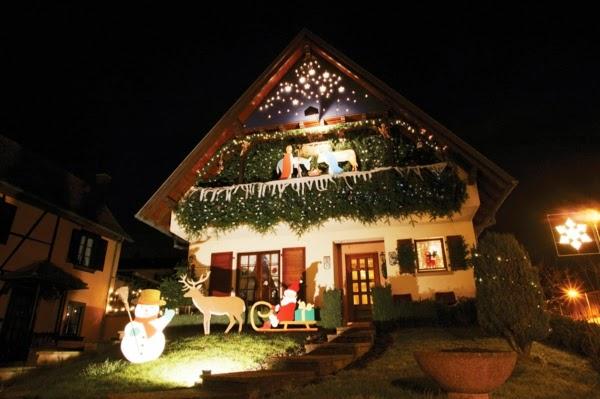 Fachadas decoradas por navidad colores en casa - Casas decoradas en navidad ...