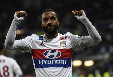 Chủ tịch Lyon khiến Arsenal mất phương hướng ở vụ Lacazette