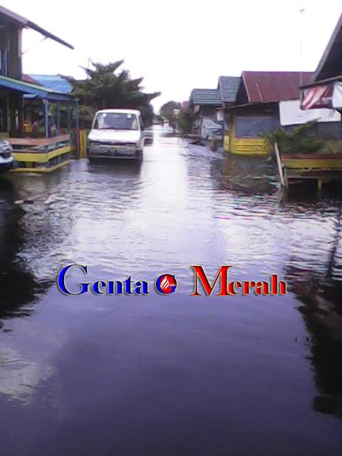 Pemkot Palangkaraya Diam, Ratusan Rumah Terendam Banjir Sungai Kahayan