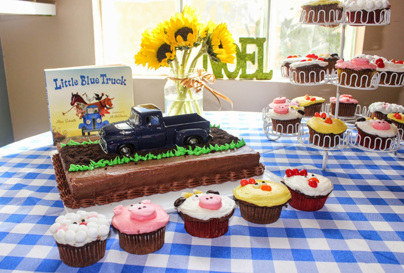 My Sweet Mother In Law Helped Me Create These Super Easy Farm Animal Cupcakes She Made Them Recently For Her Granddaughter S Birthday Party Which So