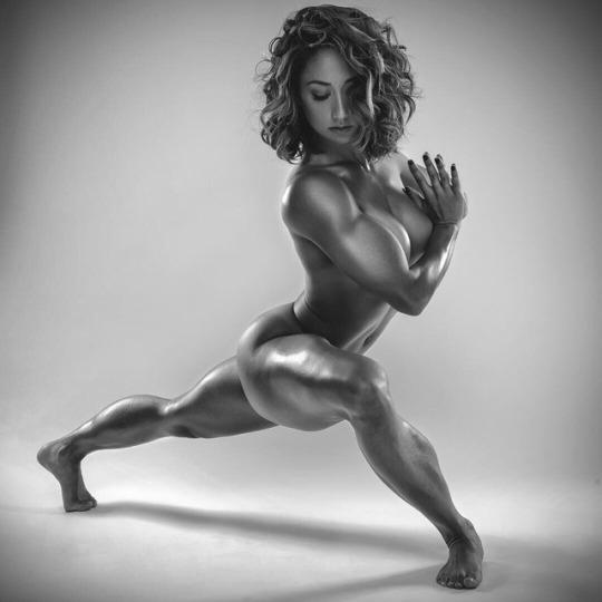 Muscular women legs naked pics 344