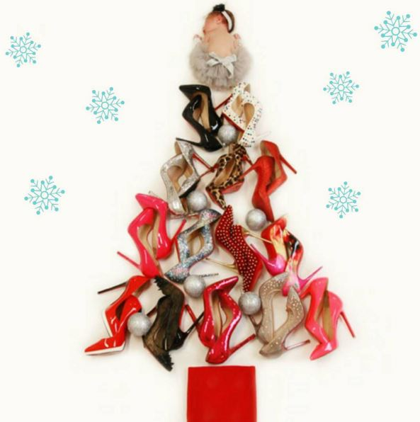Christmas Shoe Tree.Coco Austin Turns Her Baby Chanel To A Christmas Shoe Tree