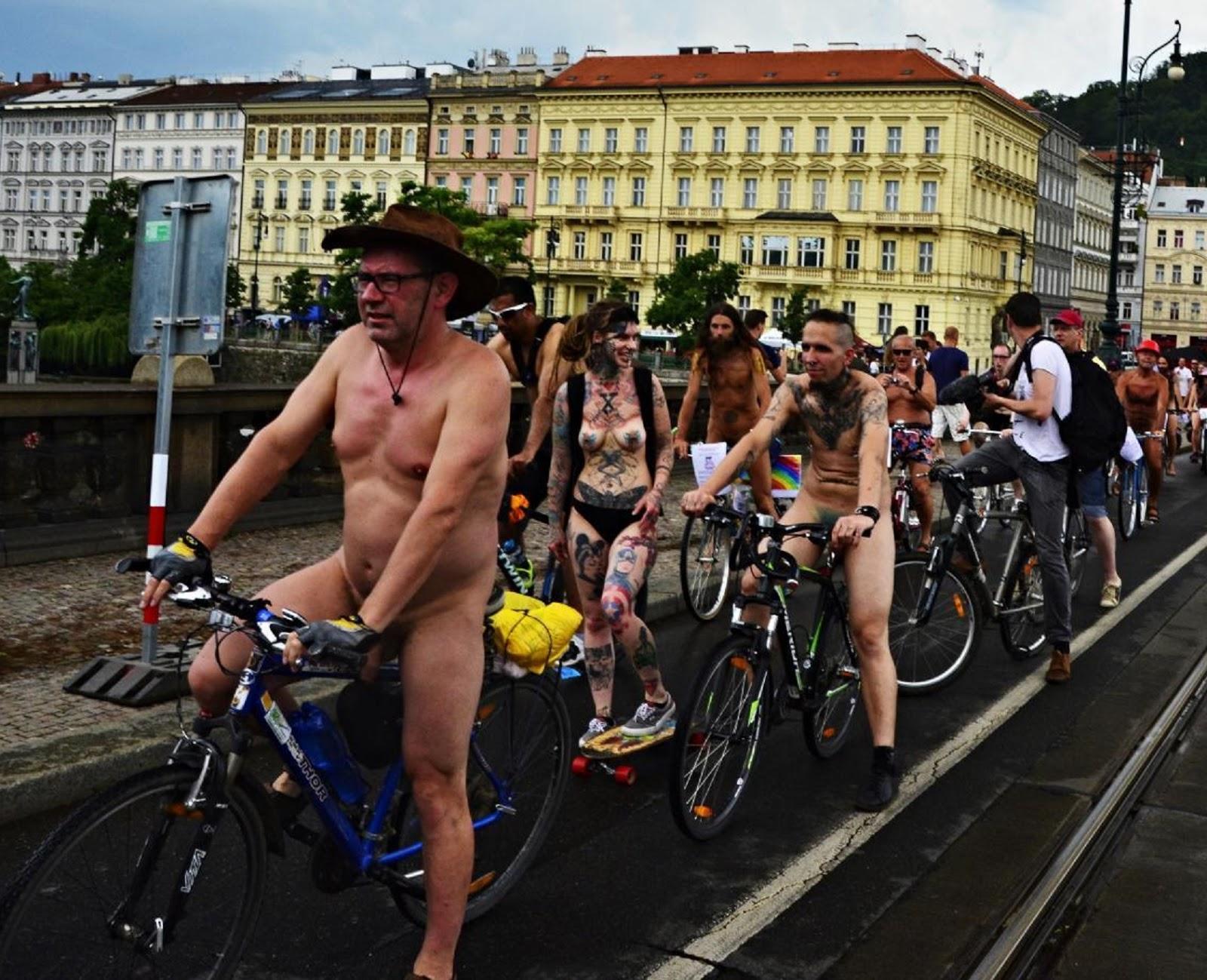 Czech Nude Public