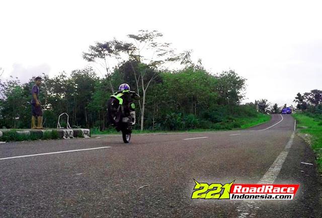 Ediann.. Latihan Road Race Ilegal Penantang Truk Pasir, JANGAN DITIRU