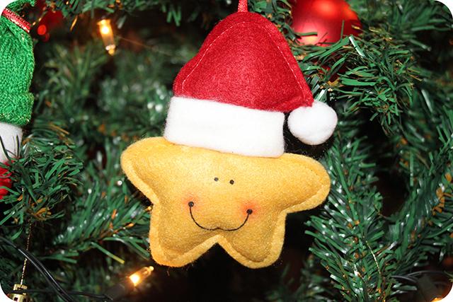 Decoração da Árvore de Natal : Estrela com Gorro de Feltro