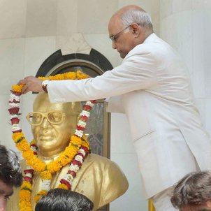 president-tribute-ambedkar