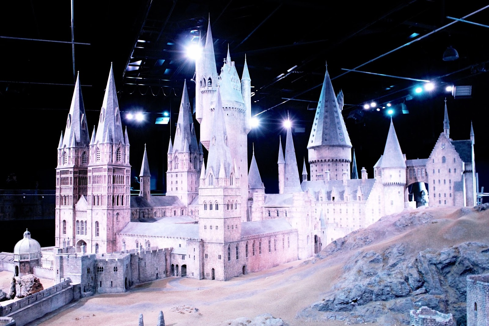 Harry Potter Scale Model Hogwarts Castle