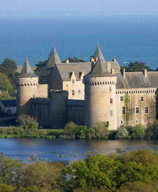 Castelo de Suscinio: força, lógica, coerência, beleza austera e sublime