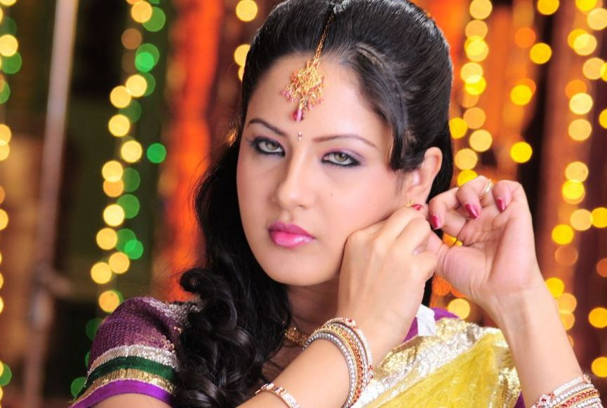 Actress PoojaBose Latest HD Images
