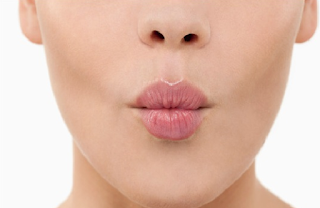 cara mengatasi bibir hitam secara alami