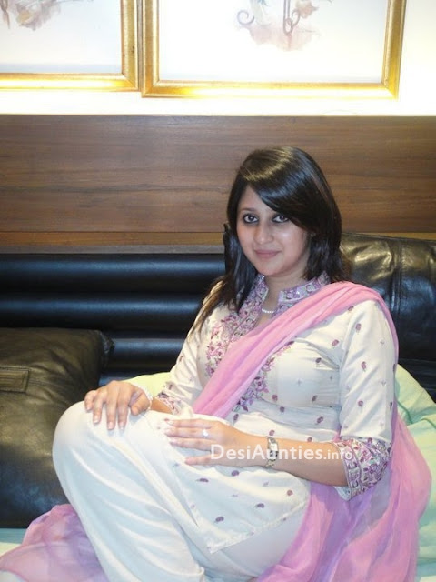 Hot Nri Very Hot Punjabi Girl-2757
