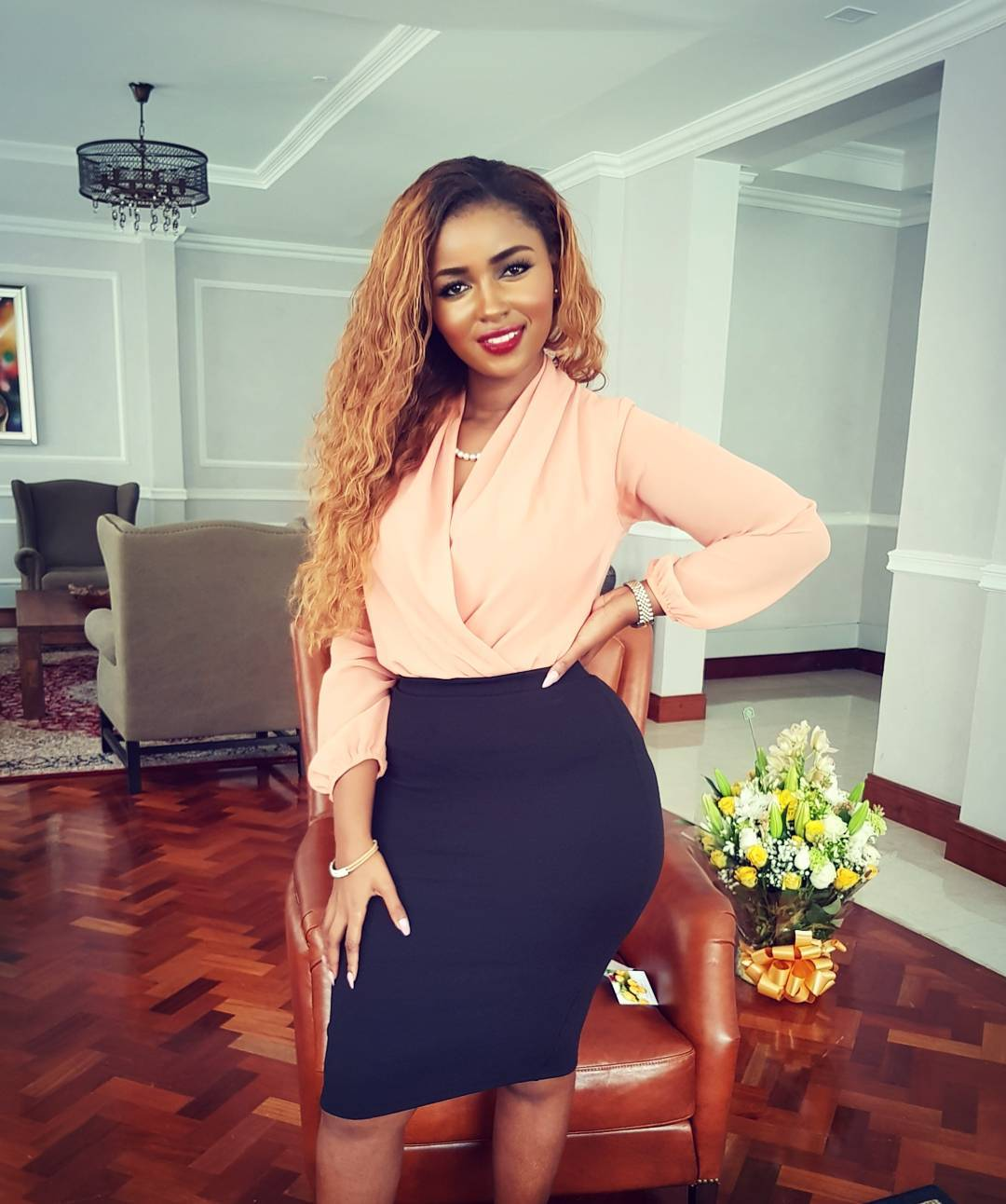 Drama As Anerlisa Mungai Fights With A Woman Over Claims She Stole Her Husband