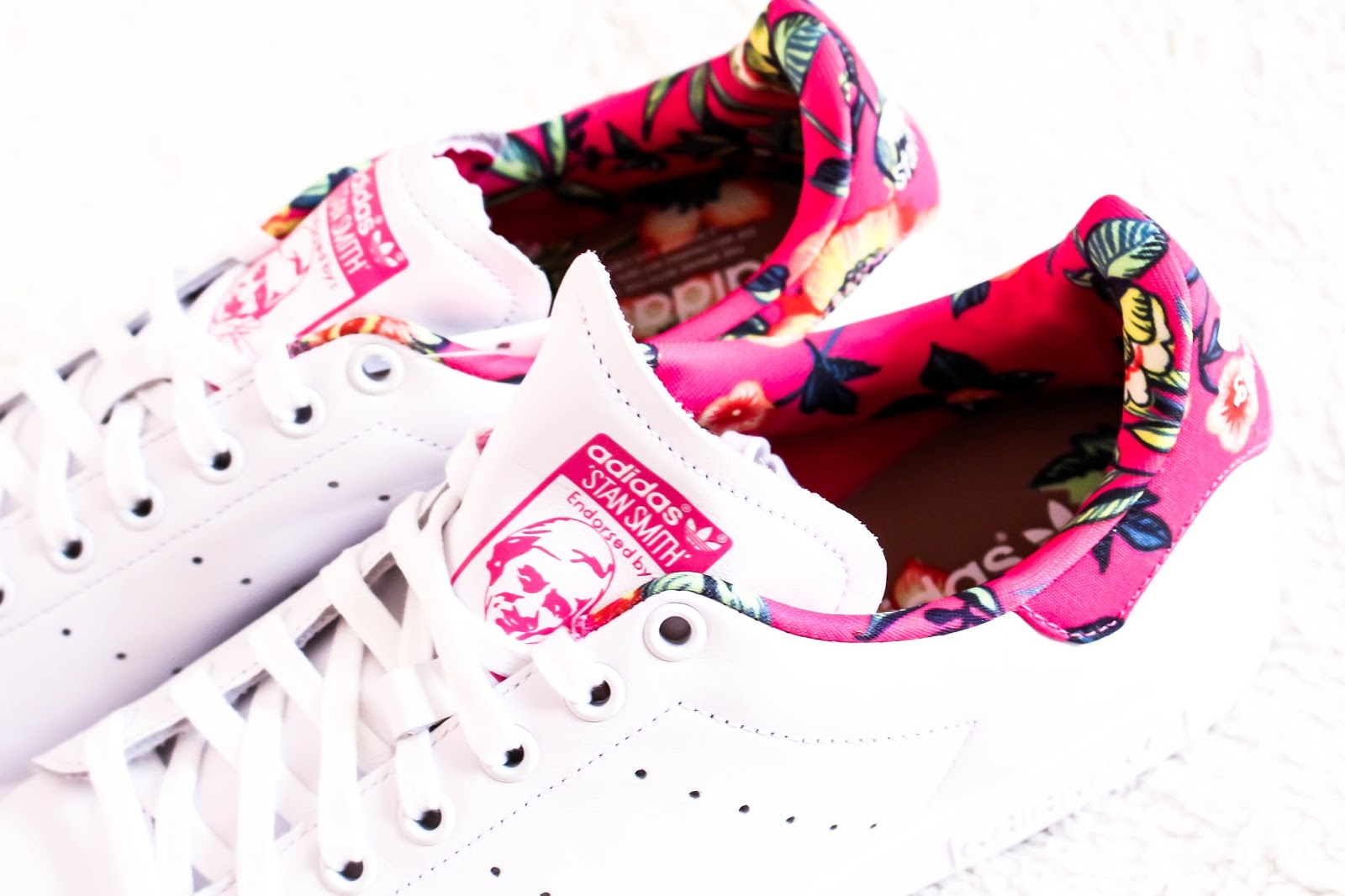 Adidas Stan Smiths pink flower