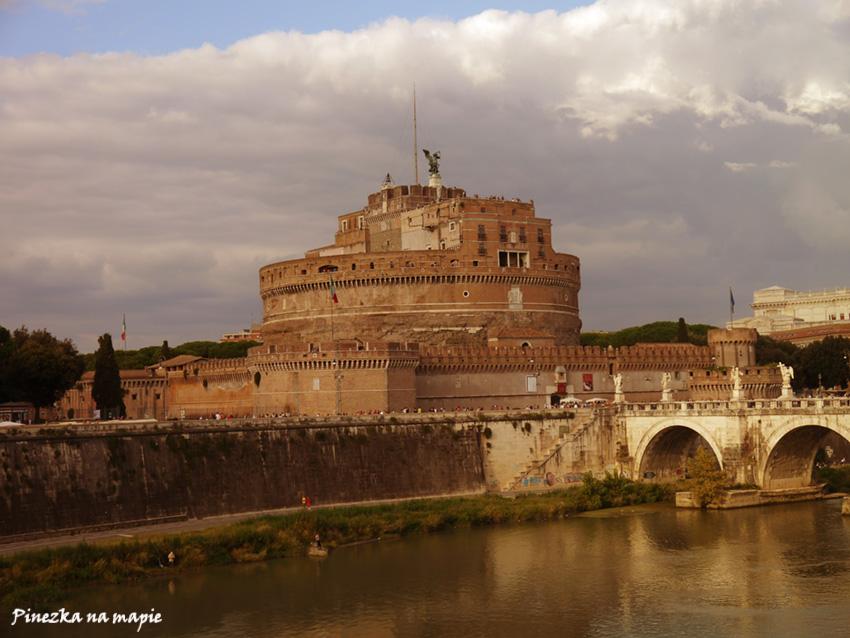 Zamek św. Anioła w Watykanie
