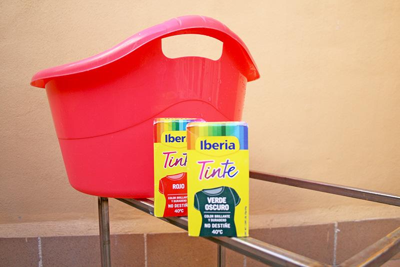 Materiales que hemos usado para la transformación de la cazadora fresa (via diyambo.com)
