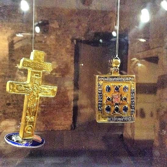 Τα βυζαντινά εγκόλπια λειψανοθήκες του Μουσείου Santa Maria della Scala της Σιένα (Ιταλία). http://leipsanothiki.blogspot.be/