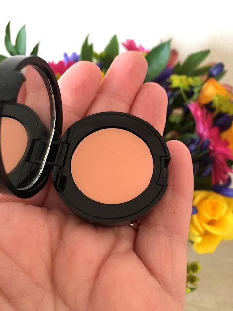 Bobbi Brown Corrector In Light To Medium Bisque