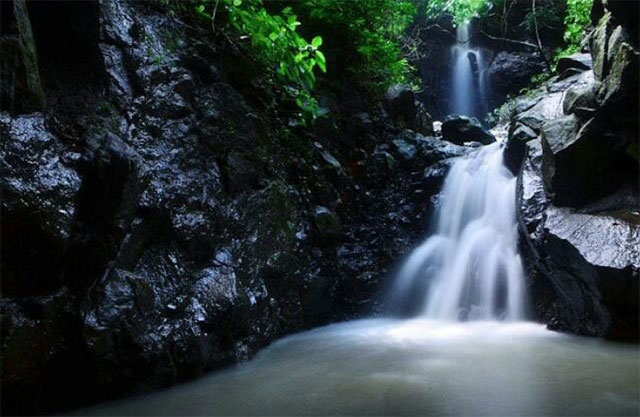 Air Terjun Gua Tompangnge