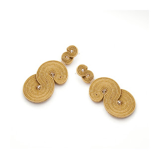 large-minimalist-earrings-gold