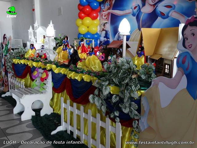 Tema Branca de Neve, decoração de festa infantil
