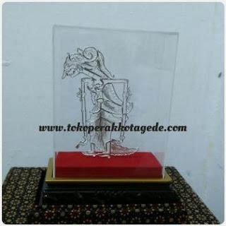 puppet miniatures, hadmade filigree miniatures,miniatur feligree dewi uma silver plated