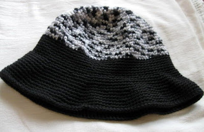 https://www.etsy.com/listing/259899575/crochet-black-gray-and-white-two-tone?ref=shop_home_feat_1