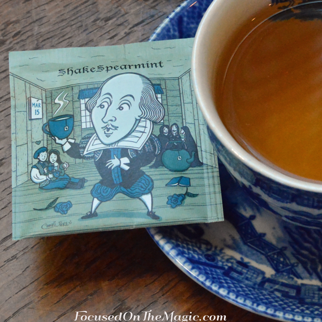 ShakeSpearmint is made of Organic spearmint. FromCollect Teables
