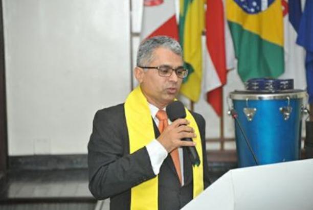 Professor Edvaldo lamenta morte do educador Élcio Verçosa