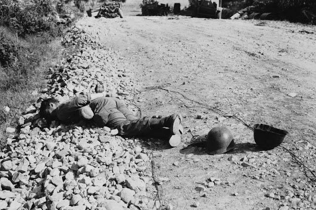 Un soldado estadounidense ejecutado en la carretera