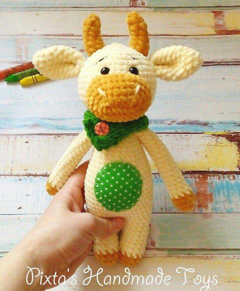 Crochet bull amigurumi toy