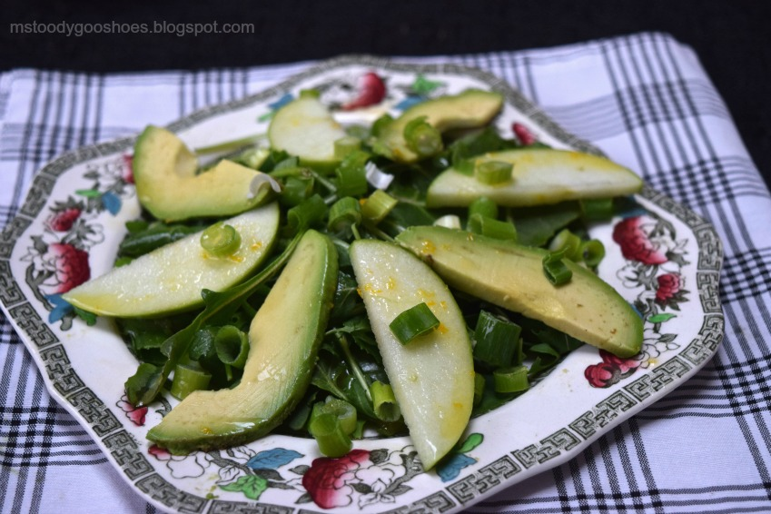Kale, Avocado and Apple Salad: Avocado and apple are a delicous combination! | Ms. Toody Goo Shoes #salad
