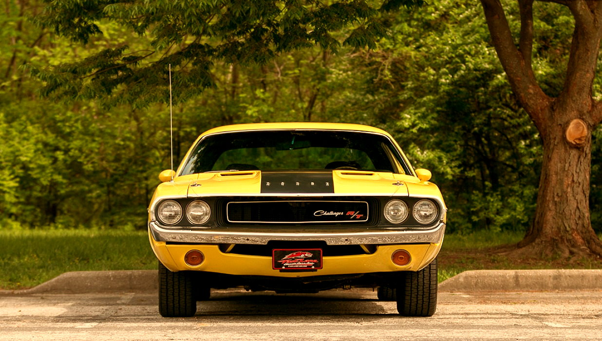 muscle car collection  famous muscle car  dodge challenger rt   pack sports coupe