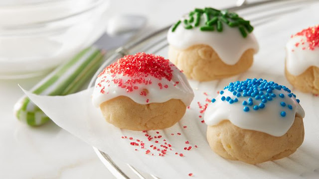 re looking for a global spin on Christmas sugar cookies Italian Christmas Cookies Recipe