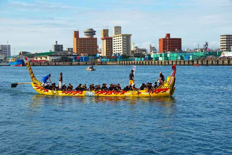 Boat and team at Naha Harii Dragonboat race