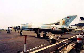 Pesawat Tempur MiG-21  2158