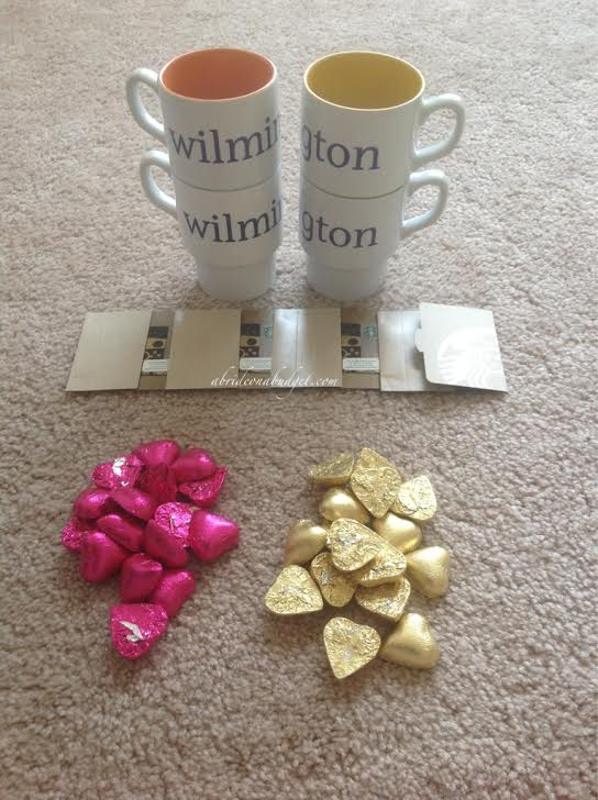 Looking for a wedding thank you gift idea? This fun one from www.abrideonabudget.com is under $5 -- AND includes a $5 Starbucks gift card!