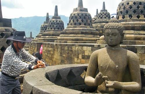 Epictravelers - Borobudur Temple