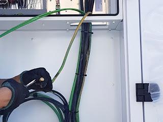 Manipulacion instalacion baja tension