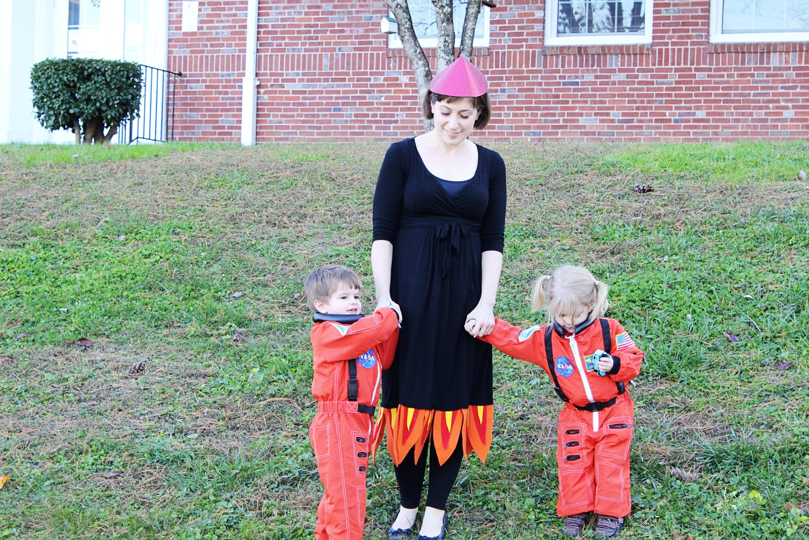Professional Twin Mommy Halloween 2012 Diy Adult Rocket Ship Costume