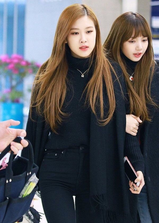 new4 - Blackpink Rose Airport Style