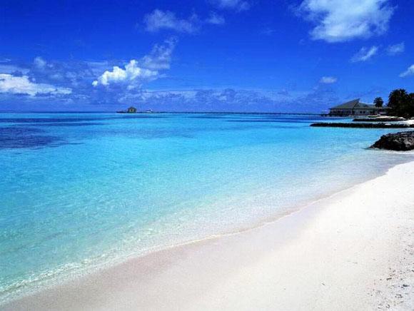 Conhecer praias de San Andrés no verão - com infraestrutura!