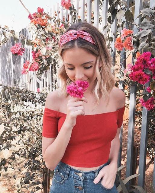 Fotos tumblr é algo que está na moda, principalmente entre as blogueiras que amam deixar o Feed do Instagram perfeito e lindo. Por isso cada vez mais filtros diferentes, poses e ideias para fotos fofas e lindas estão super em alta. Algumas blogueiras como, Franciny Ehlke, Nah Cardoso e outras, arrasam sempre e aqui você vai conferir todas as fotos mais lindas para se inspirar e arrasar no seu Instagram.
