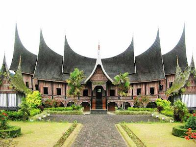 Sumatera Barat Rumah Gadang