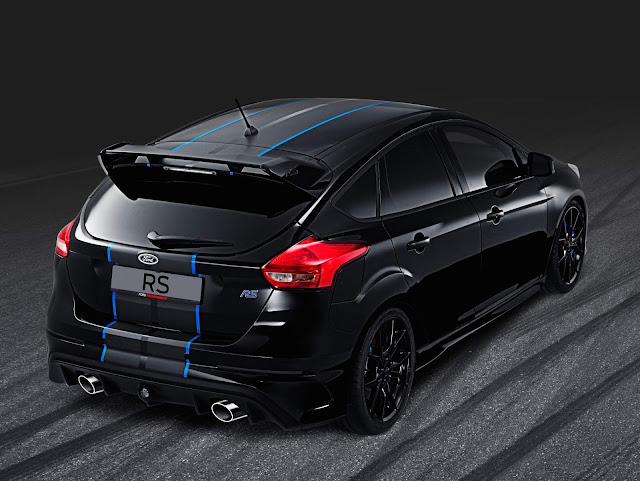 Ford Focus RS com enfeites