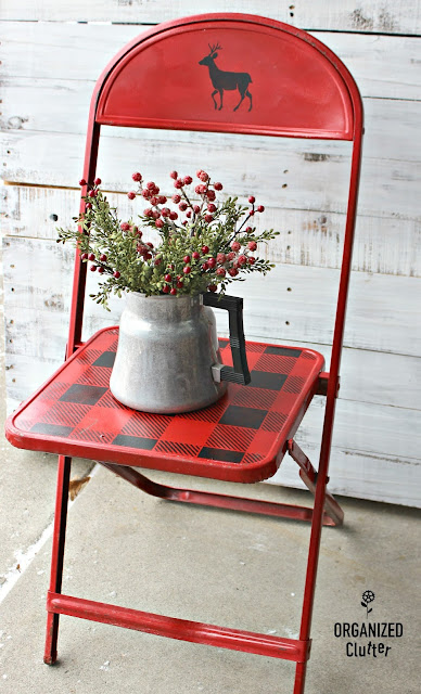 Adding Buffalo Checks to a Thrift Shop Folding Chair #thriftshopmakeover #foldingchair #upcycle #rusticChristmas #buffalocheck #oldsignstencils