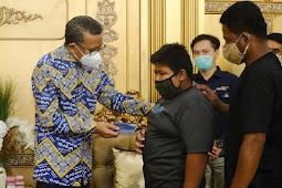Nurdin Abdullah Berikan Beasiswa ke Rizal, Korban Bulli di Pangkep
