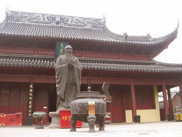 Fuzimiao Temple, Nanjing, China, Smog